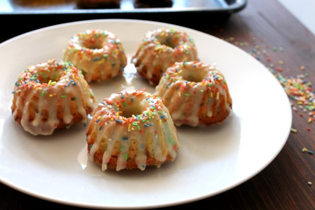 Funfetti mini bundt cakes