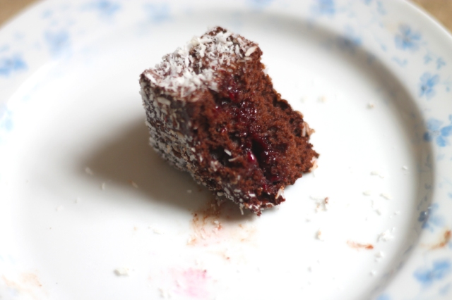 jam flled lamingtons recipe